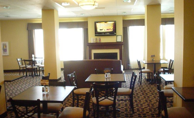 Holiday Inn Express Hotel & Suites Willcox - Willcox, AZ