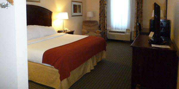 Holiday Inn Express Hotel & Suites Willcox King Suite